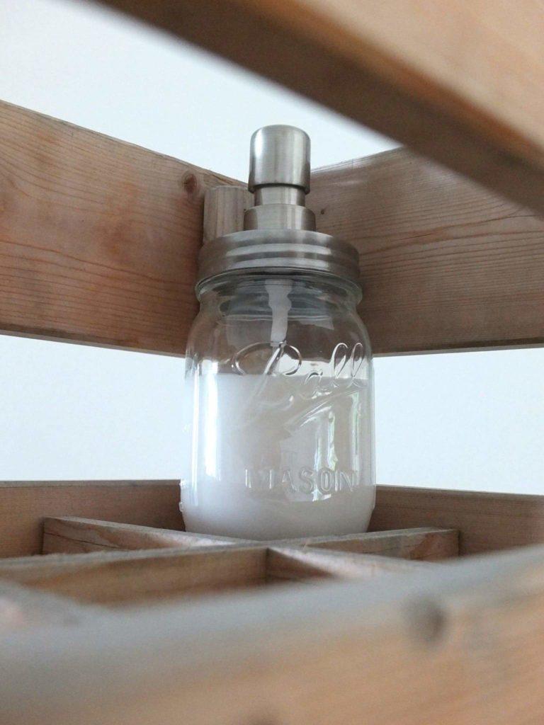 Wohngoldstück Upcycling Flaschen & Gläser Bad Küche Seifenspender Silber