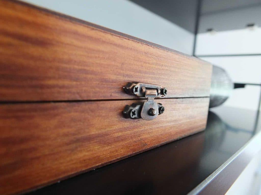 Wohngoldstück_Wandregal String Pocket Regal schwarz , Styling-Ideen für das Badezimmer