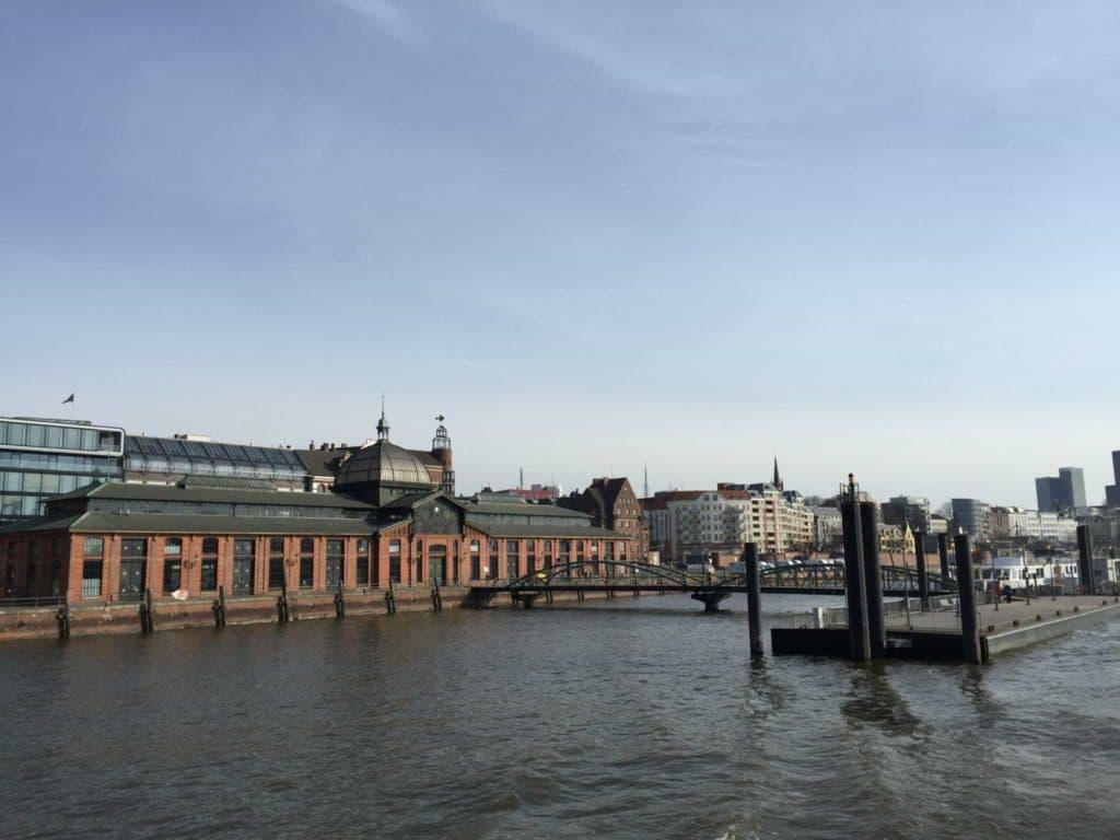 Elbstrand Fähre Hamburg_