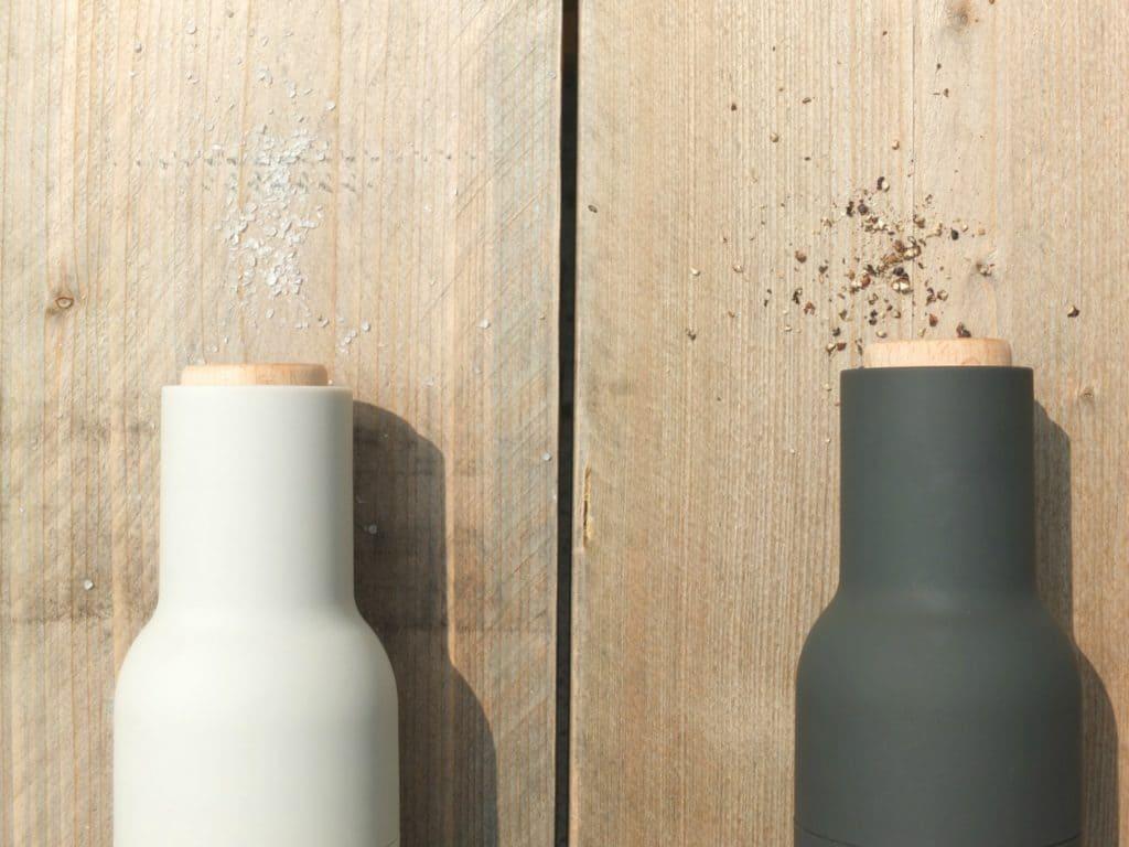 Wohngoldstück_Design Salzmühle Pfeffermühle Grinder Slandinavisch Grau Weiß