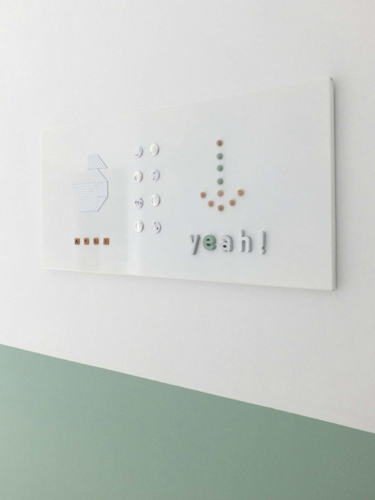 Wohngoldstück_Magnete_DIY Kork Holz Sprenkel Geometrisch Buchstaben