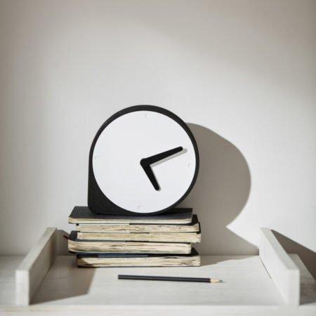 Wohngoldstück_Kork Uhr Clork Puik Schwarz