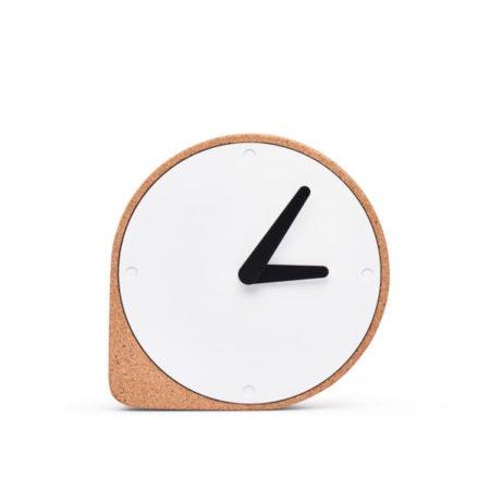 Wohngoldstück_Kork Uhr Clork Puik Natur