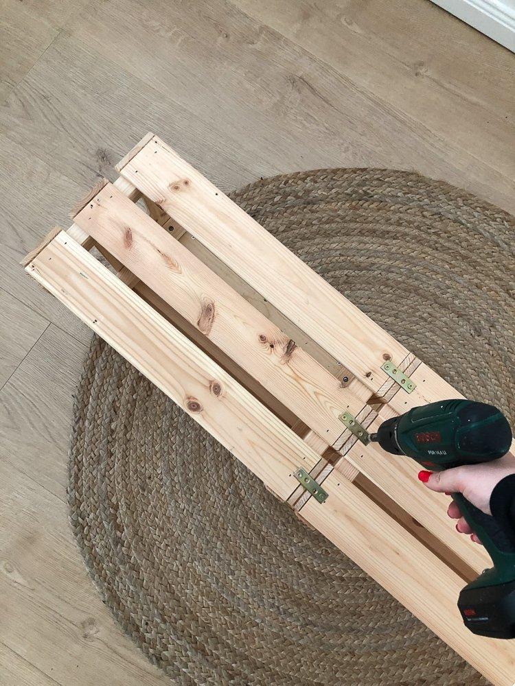 Wohngoldstueck_IKEA HACK DIY Regal Knagglig Kiste Hairpin Legs