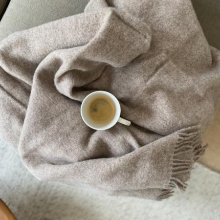 Wohngoldstueck_Silkeborg Uldspinderi Decke Athen Latte Beige